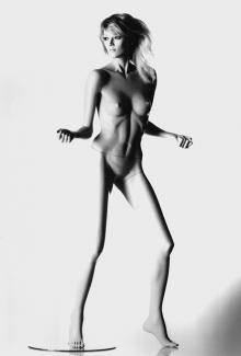 FEV7 - Female, Dancing, Standing Mannequin Body
