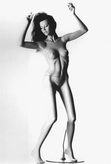 FEV8 - Female, Dancing, Standing Mannequin Body